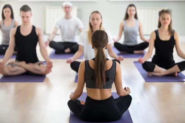 como hacer una clase de yoga