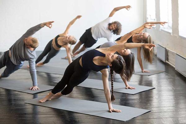 programar una clase de yoga