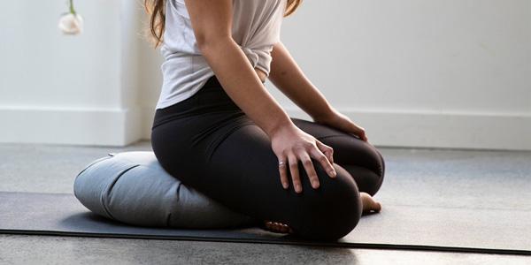 cojín de yoga